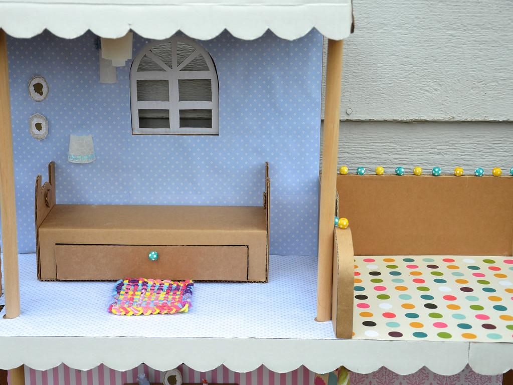 Как руками сделать мебель для барби из картона