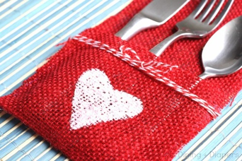 DIY-Burlap-Utensil-Holder-Valentines-Day-Edition-by-Design-Dining-+-Diapers